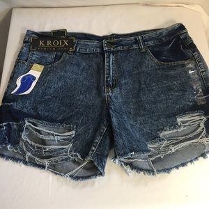 New sz 20 Distressed destroyed ripped shorts